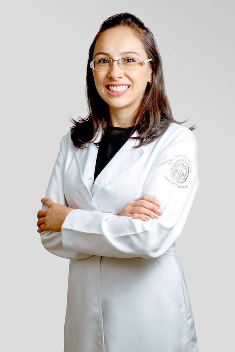 Coloproctologista Thais Takahashi